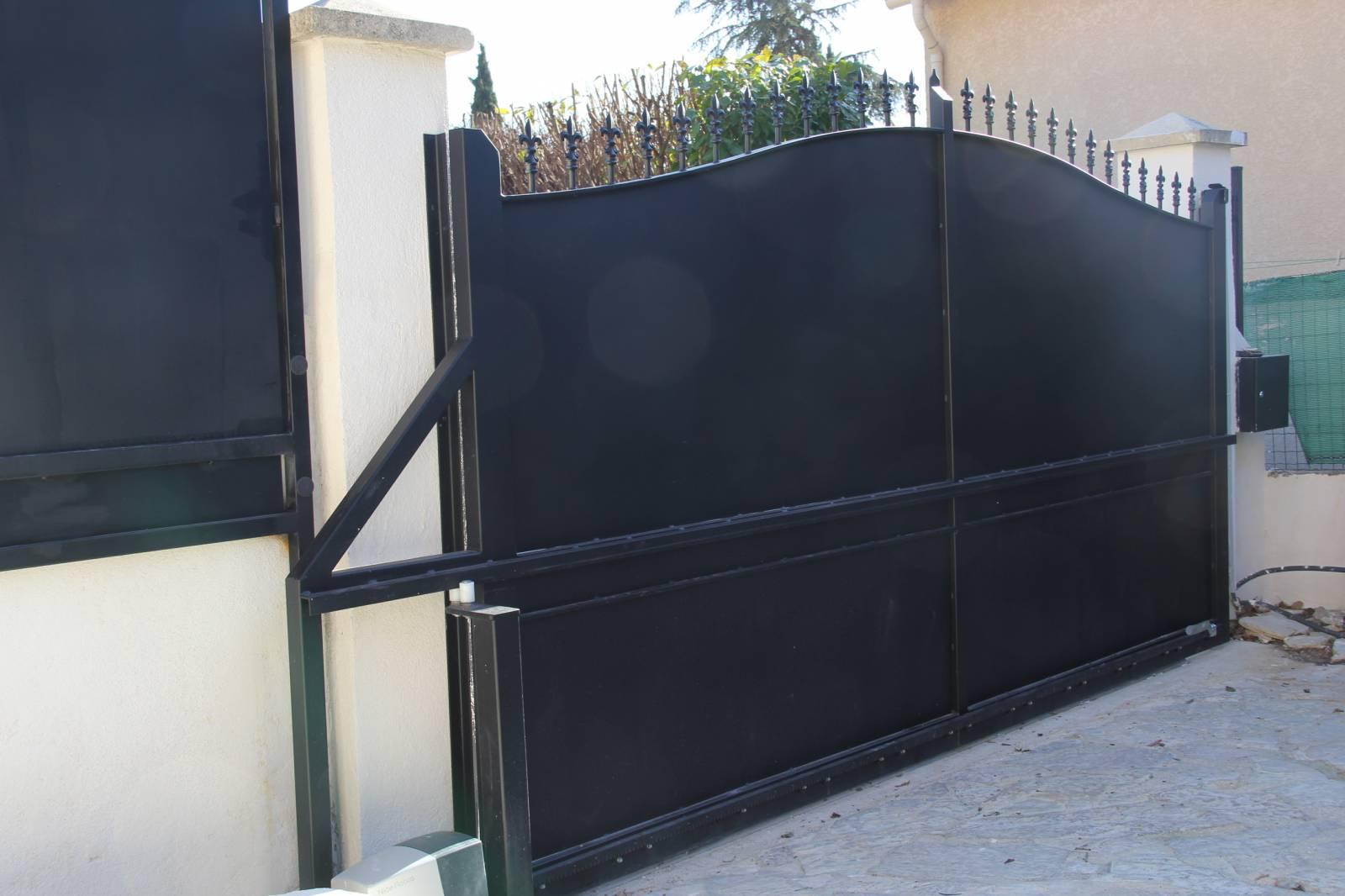 Faire Son Portail En Fer conception et réalisation d'un portail coulissant